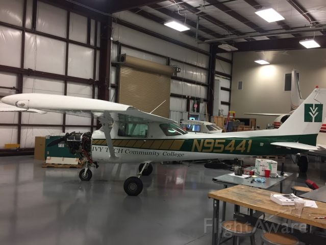 Cessna 152 (N95441)