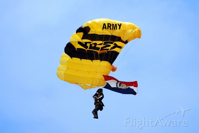 — — - United States Army Golden Knights jumping at the Kansas City Air Show 2008.