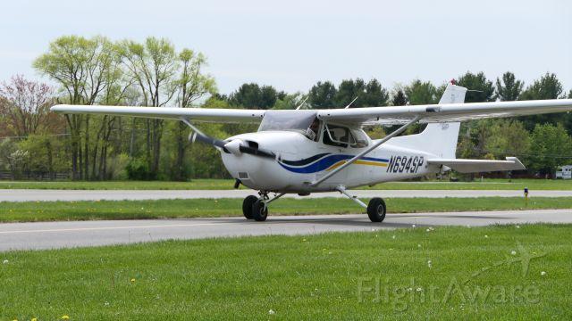 Cessna Skyhawk (N694SP)