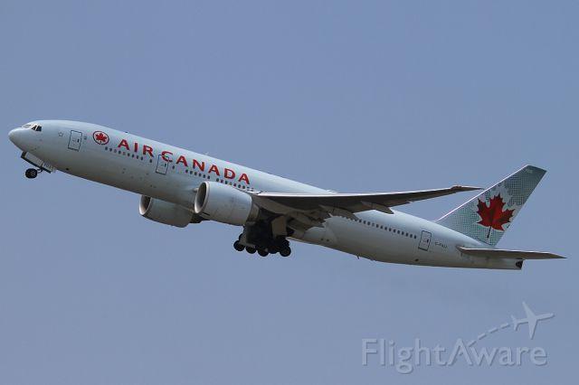 BOEING 777-200LR (C-FIUJ) - 24 NOV 2012