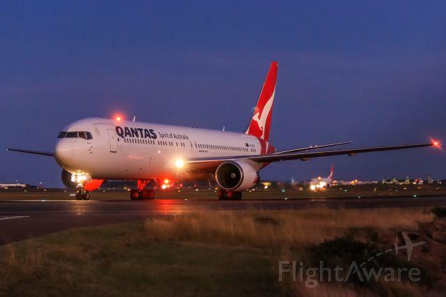 BOEING 767-300 (VH-OGS)