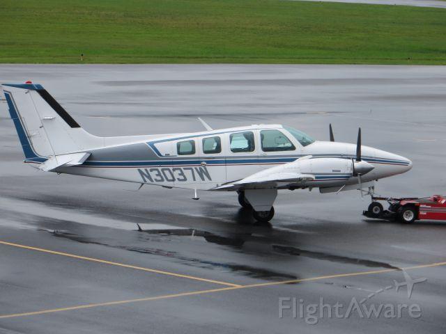 Beechcraft Baron (58) (N3037W)