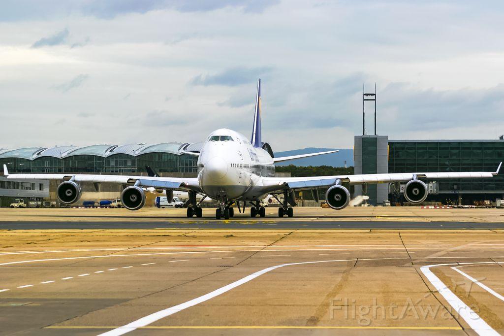 Boeing 747-400 (D-ABVM)