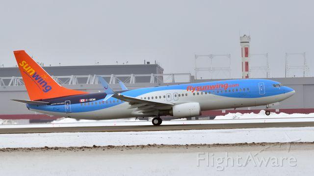 Boeing 737-800 (C-GEWI)