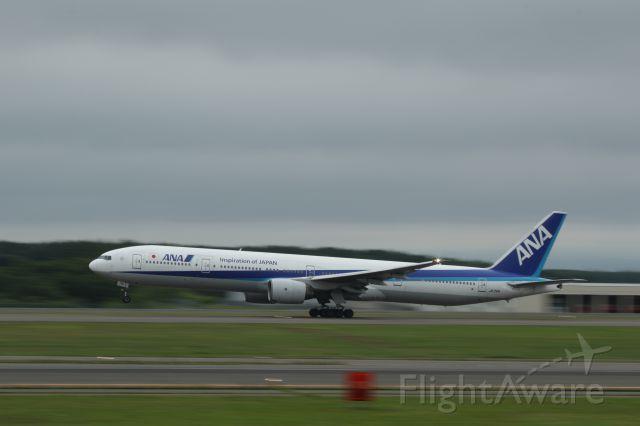 BOEING 777-300 (JA751A) - 19 July 201:CTS-HND.