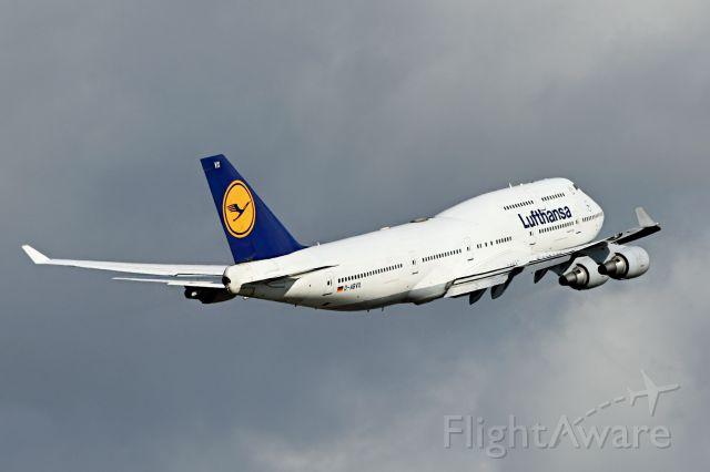 Boeing 747-400 (CA-BVX)