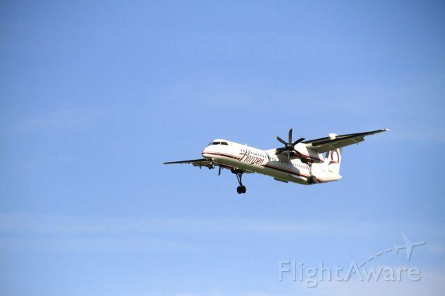 DE HAVILLAND DH-84 Dragon (N410QX) - Horizon 2181 short final runway 28L wrapping up short hop flight down I-5 from Seattle (SEA)