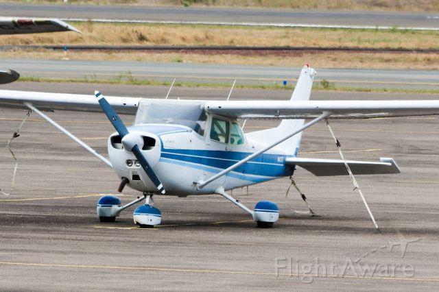 Cessna Skyhawk (N1437E)