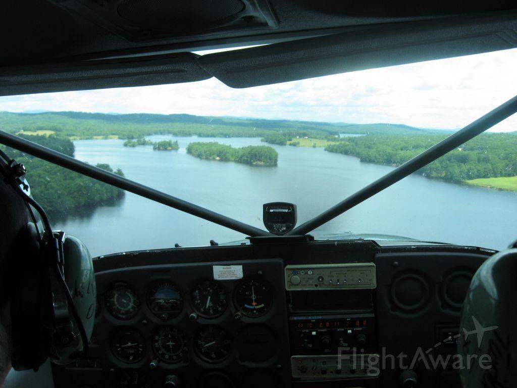 Cessna Skyhawk (N734ME)