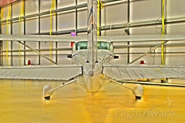 Cessna Skylane (N97237)