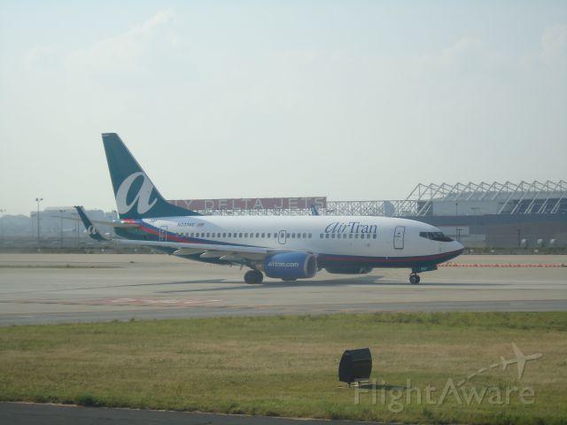 Boeing 737-700 (N337AT)