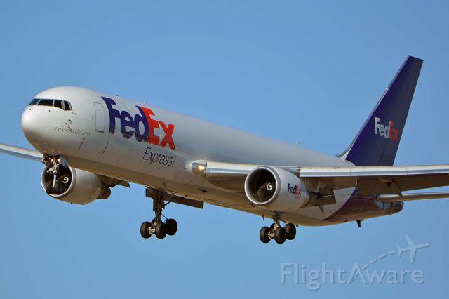 BOEING 767-300 (N110FE) - Fedex Express Boeing 767-3S2F N110FE