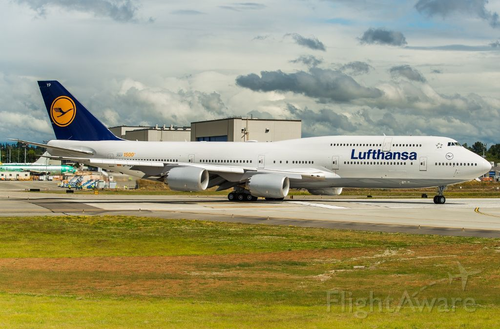Boeing 747-200 (D-ABYP) - The 1500th Boeing 747 taxing out on its delivery flight to Frankfurt, Germany