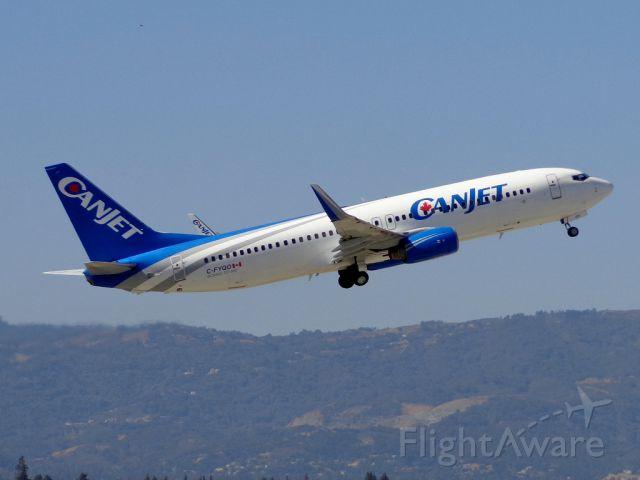 Boeing 737-800 (C-FYQO)