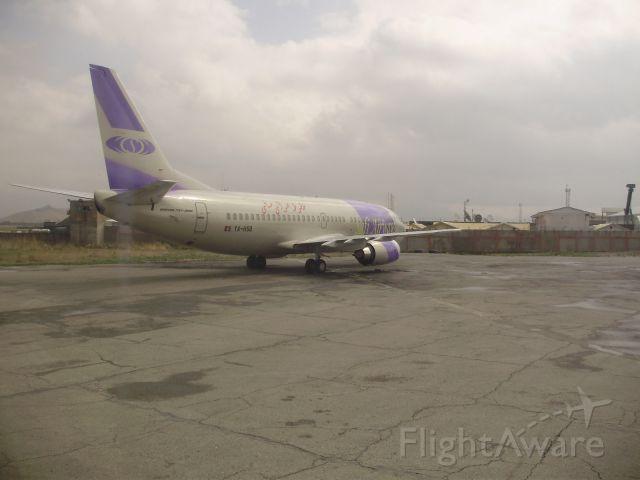 BOEING 737-300 (YA-HSB)