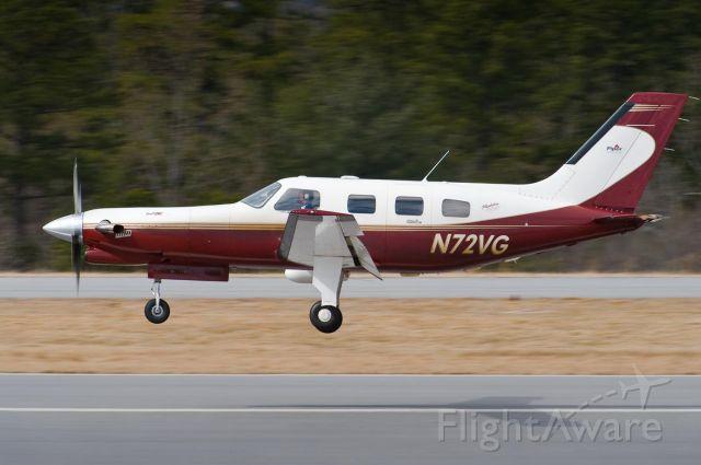 Piper Malibu Meridian (N72VG) - Arriving Hickory on Rwy 24 - 28.Feb.2010