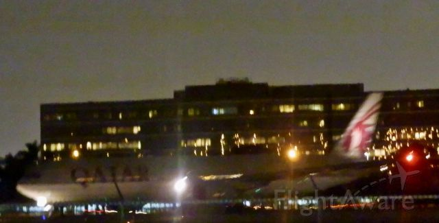"""BOEING 777-300ER (A7-BAN) - Early Evening """"Departure for Doha!"""""""
