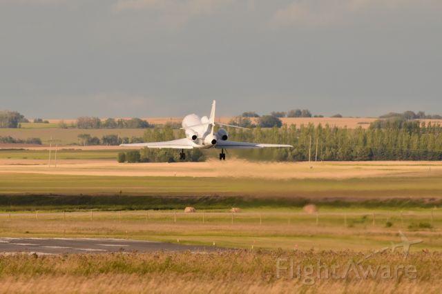 Dassault Falcon 900 (C-GNTR) - Dassault Falcon 900 departing CYQV on runway 3