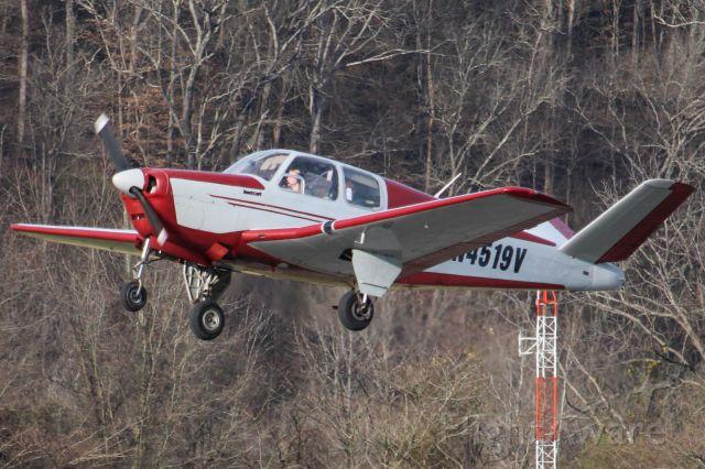 Beechcraft 35 Bonanza (N4519V)