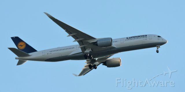 Airbus A350-900 (D-AIXM) - Minutes before landing, summer 2019.