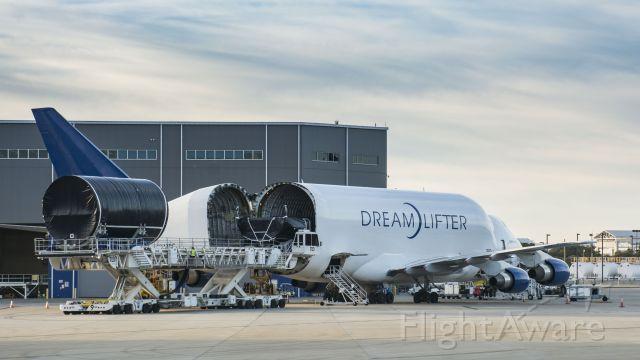 — — - Boeing Dreamlifter