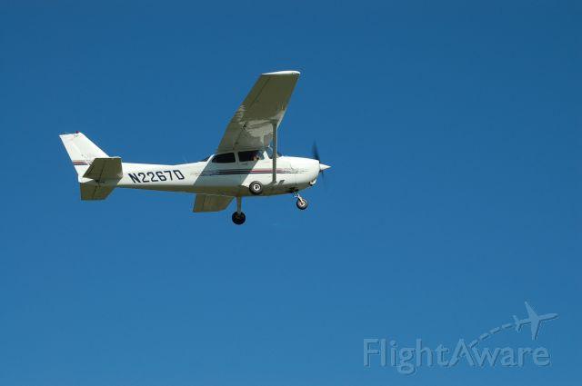 Cessna Skyhawk (N2276D)