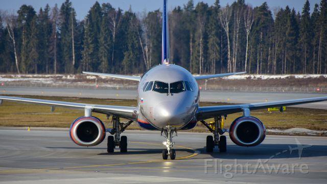 Sukhoi Superjet 100 (RA-89051)