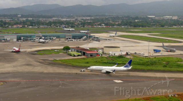 Boeing 737-700 (HP1716CMP)