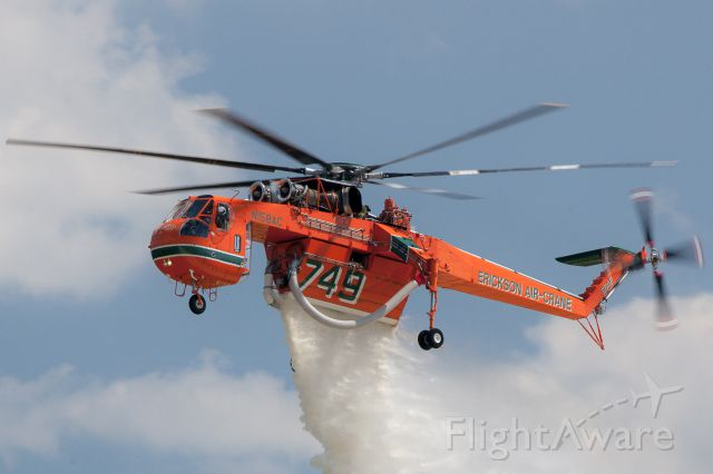 Sikorsky CH-54 Tarhe (N158AC) - Water drop demo