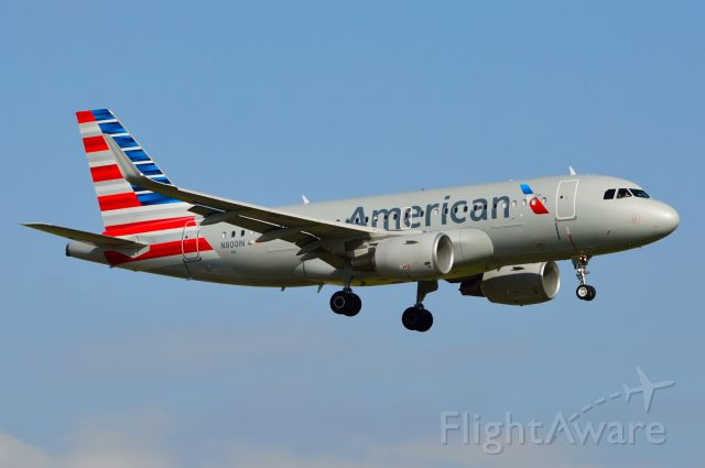 Airbus A319 (N8001N) - American - N8001N - A319 - Arriving KDFW 11/09/2013