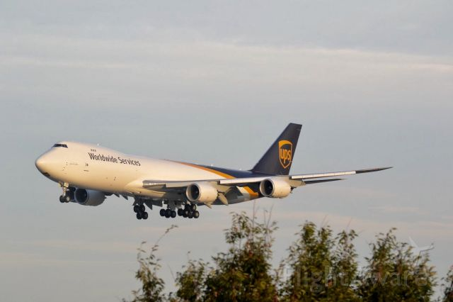 """BOEING 747-8 (N605UP) - UPS' first 747-8F, N605UP """"Spirit of Joe Sutter"""", doing CAT III autoland practice on 17R."""