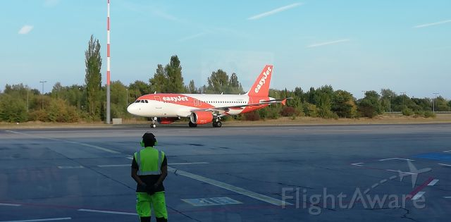 Airbus A320 — - A320 from SXF to VIE