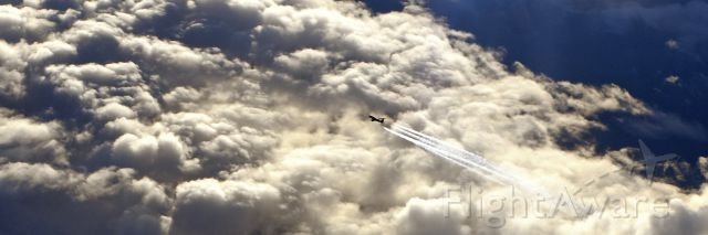 — — - Airliner passing under us while at FL40 on route Palma, Mallorca to Southampton UK today Nov 17, 2014.