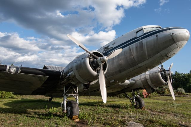 Douglas DC-3 (N33623) - A DC-3 in NorthEast Livery