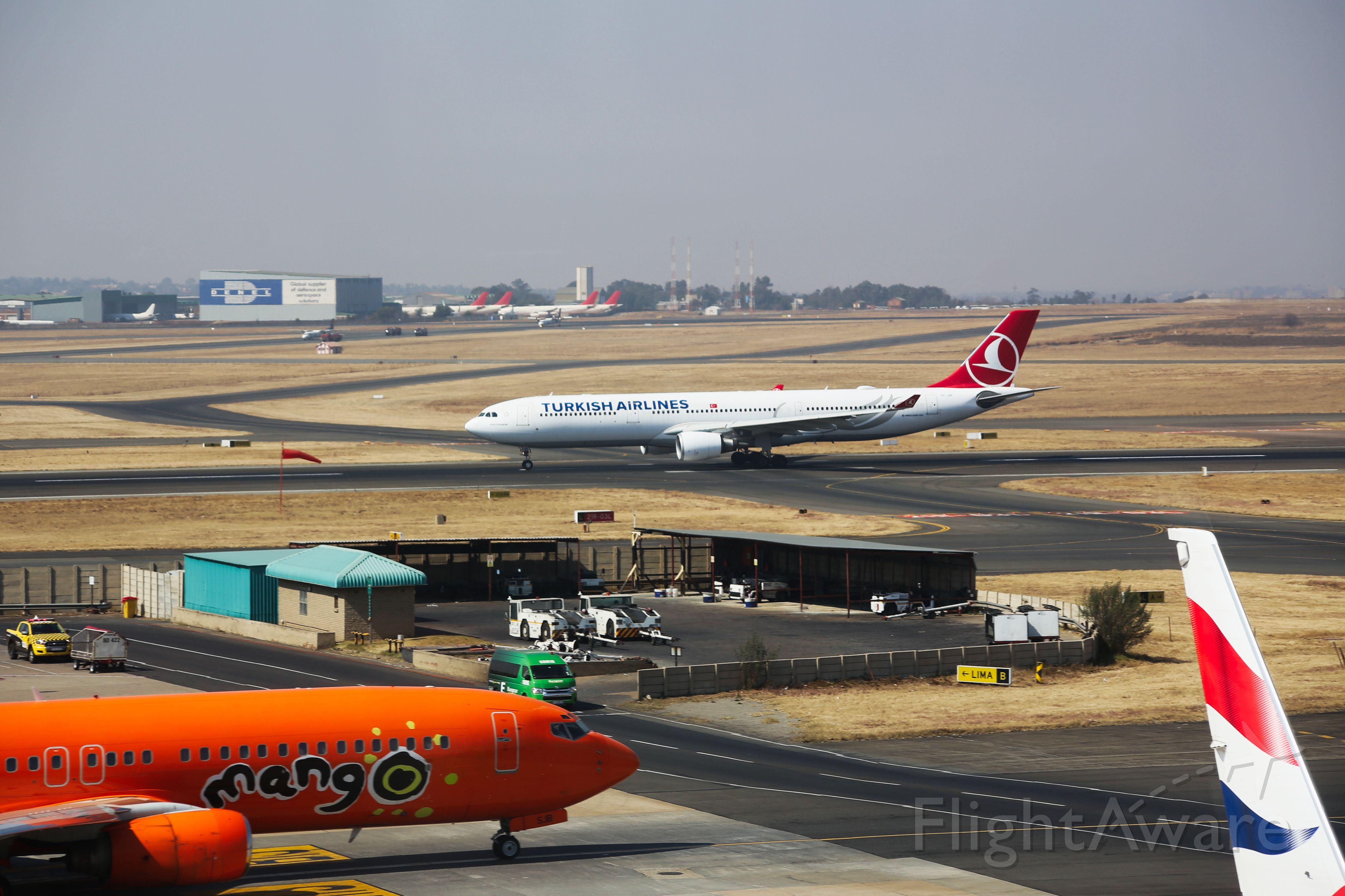Airbus A330-300 (TC-JOI)