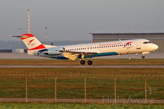 Fokker 100 (OE-LVJ)