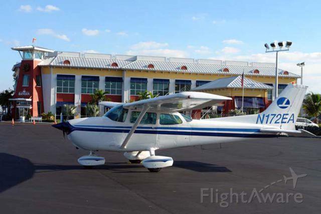 Cessna Skyhawk (N172EA)