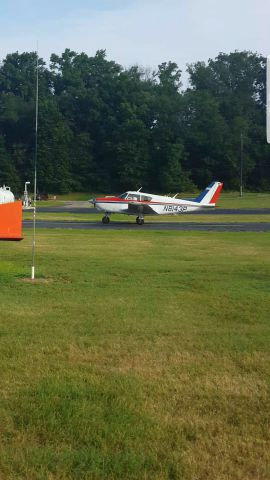 Piper PA-24 Comanche (N8143P)