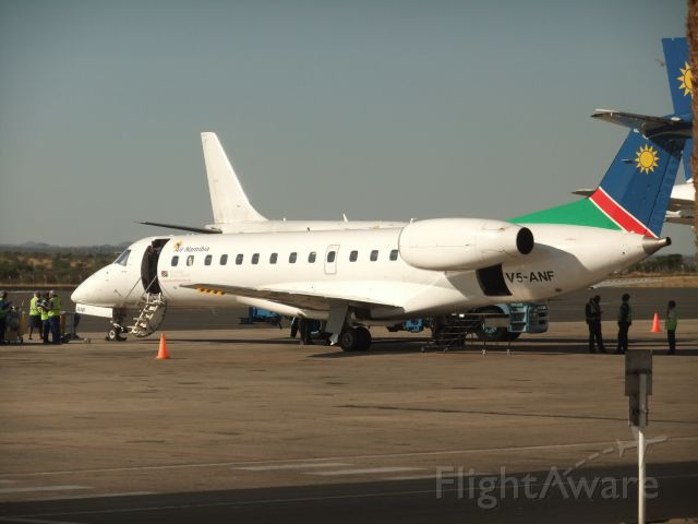Embraer ERJ-135 (V5-ANF) - Dieses Bild nahm ich am 09.10.2011 am Airport Windhoek Hosea Kutako Int