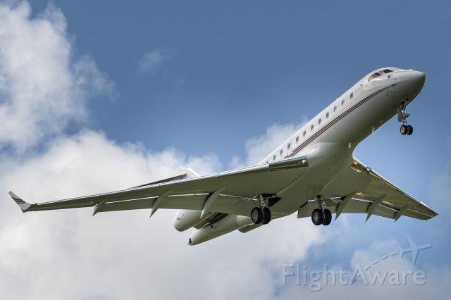 Bombardier Global 5000 (N104QS)