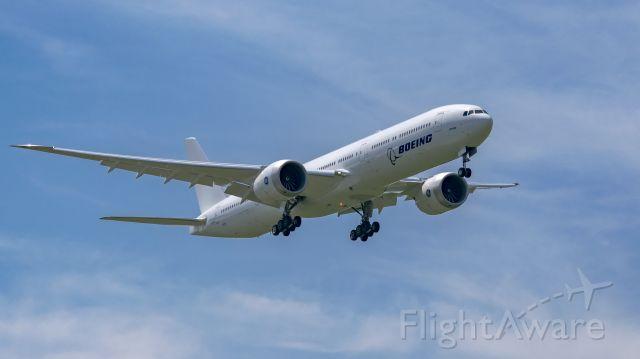 BOEING 777-9 (N779XZ) - BOE4 approaching runway 35L KEFD.