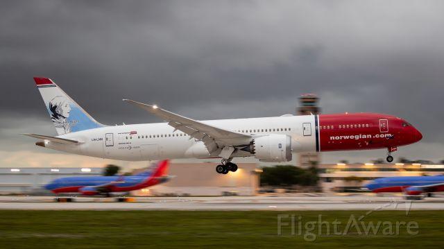 Boeing 787-9 Dreamliner (LN-LNN) - Norwegian B787 afternoon landing on runway 10R at Ft. Lauderdale International Airport