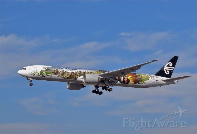 BOEING 777-300 (ZK-OKP) - a rel=nofollow href=http://flightaware.com/live/flight/ZKOKP/history/20141109/0945Z/NZAA/KLAXhttp://flightaware.com/live/flight/ZKOKP/history/20141109/0945Z/NZAA/KLAX/a