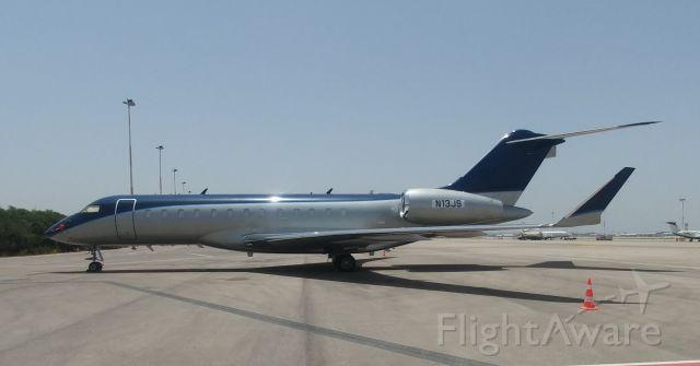 Bombardier Global Express (N13JS)