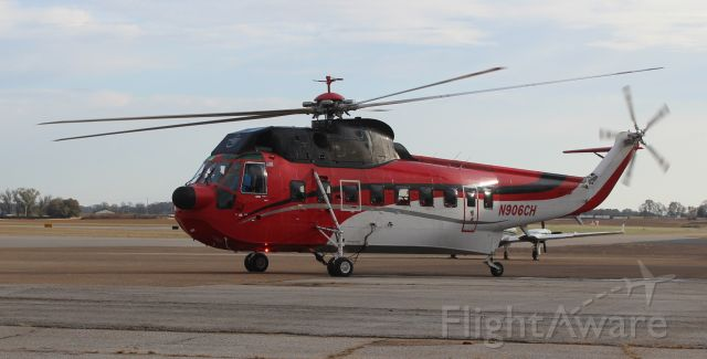 Sikorsky Sea King (N906CH) - Construction Helicopters Sikorsky S-61N Sea King taxiing at Pryor Regional Airport, Decatur, AL - late in the afternoon of November 15, 2019.