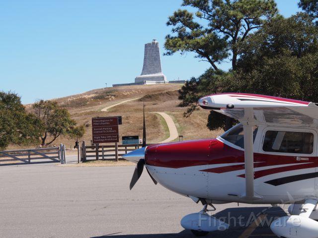 Cessna Skylane (N841DM) - Wright Brothers Memorial