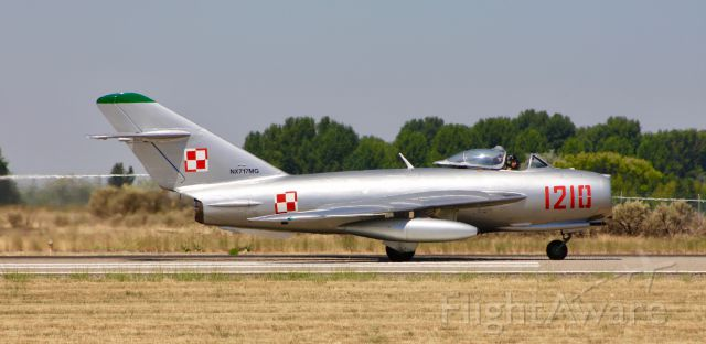 MIKOYAN MiG-17 (N717MG)