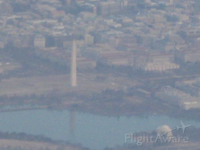 Airbus A319 — - Washington Monument on approach to KDCA from KTPA.