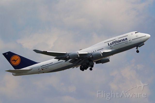 Boeing 747-400 (D-ABVZ)