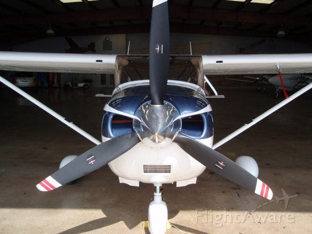 Cessna Skylane (N1492U) - Ready to go when you are